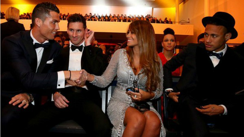 [Image: messi-girlfriend-ronaldo-neymar-picture.jpg]
