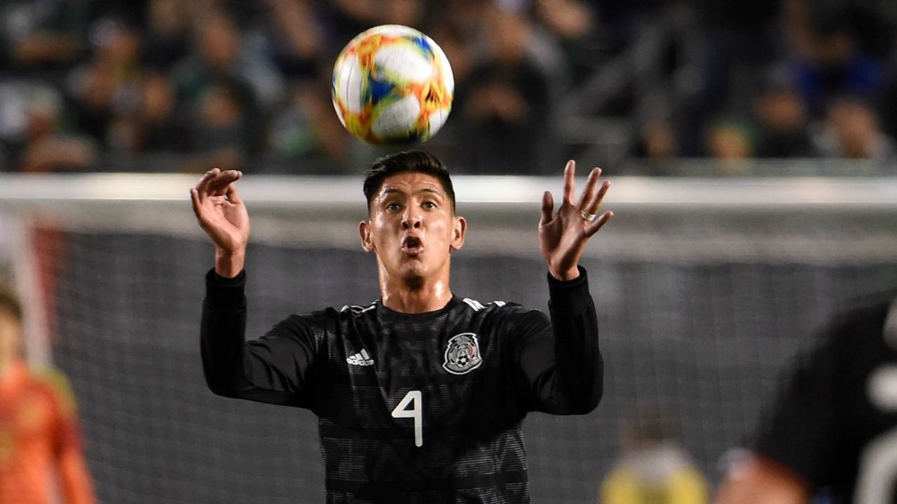 bbeb358f7b0 Edson Alvarez Transfer Rumor  Tata Martino Thinks He s Ready For Europe