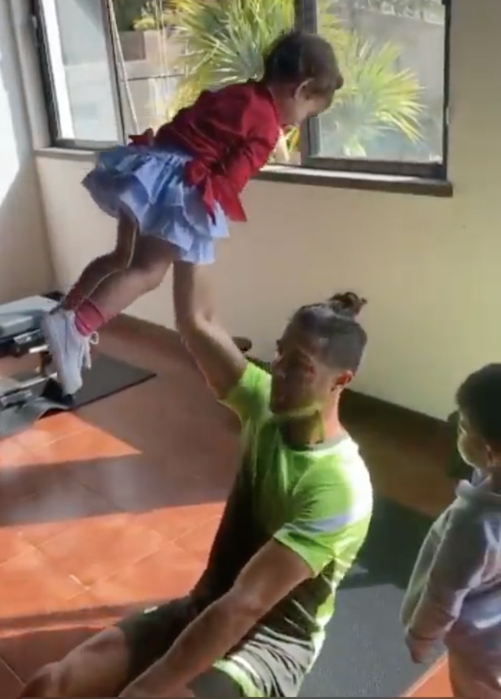 Watch Cristiano Ronaldo Workout Video Features Juve Star Lifting His Children