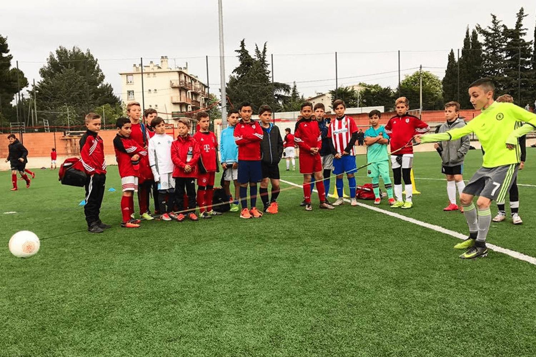 Best Gifts For Soccer Players - Futsolo Sidekick Training Soccer Ball