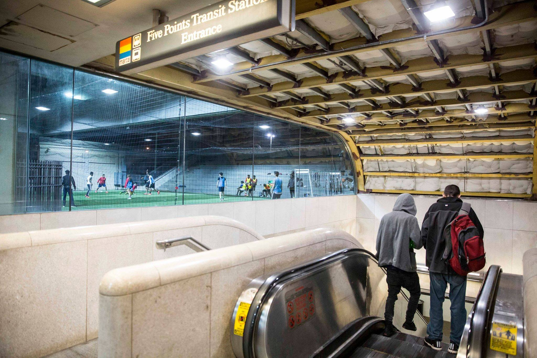 Station Soccer in transit centers
