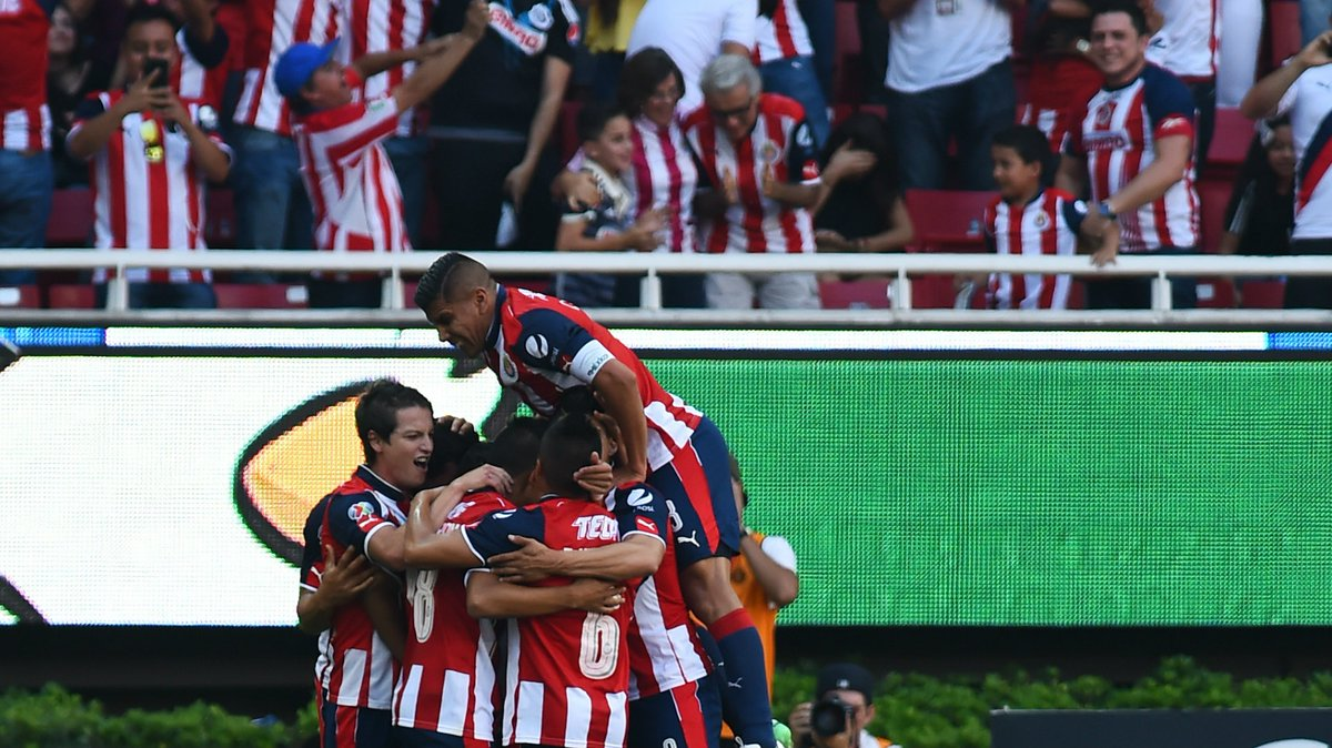 Chivas players