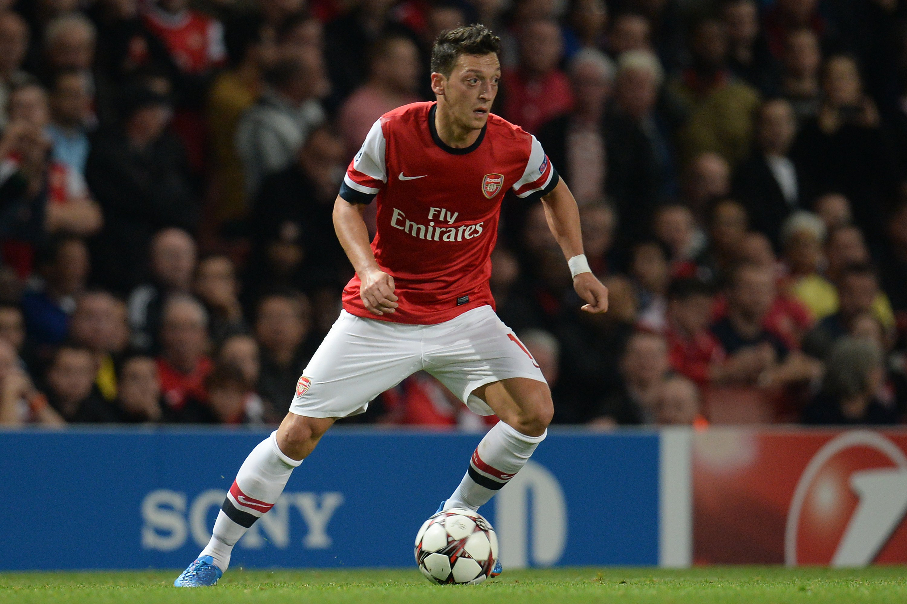 Mesut Ozil The Definitive Player Guide