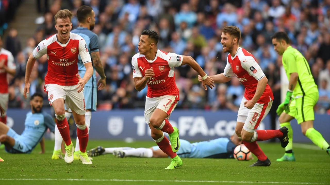 Alexis Sanchez Goal VS Man City
