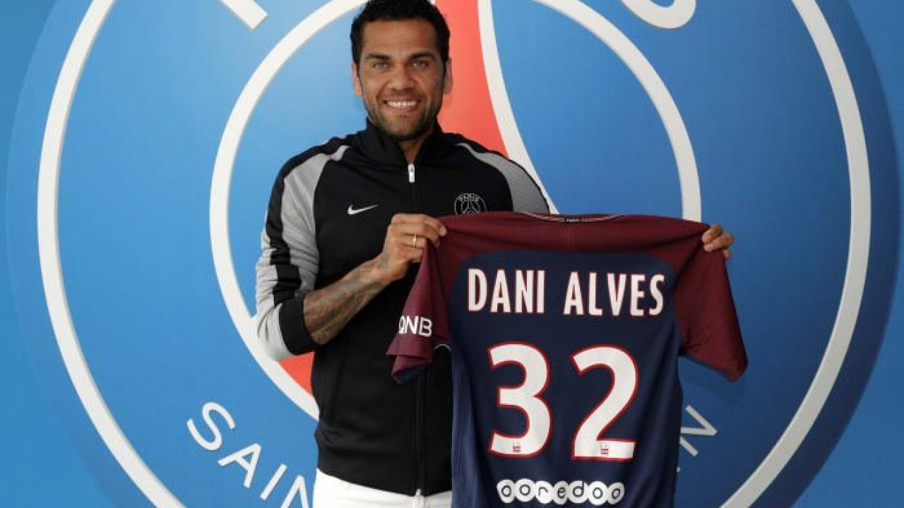 Dani Alves With New PSG Jersey