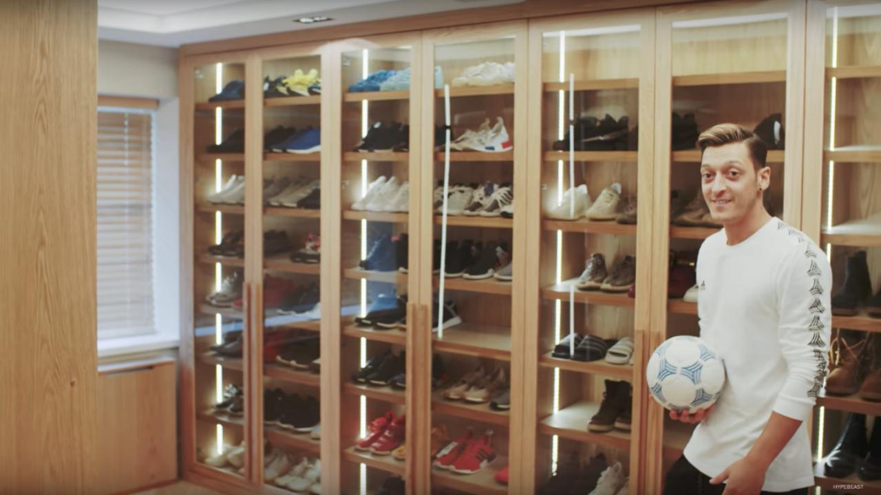 Mesut Ozil shoes