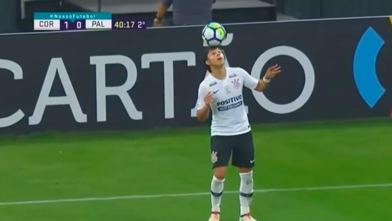 Angel Romero is bringing back the seal dribble