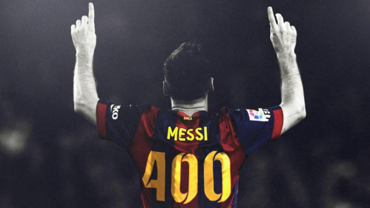 Messi with a 400 on the back of his jersey