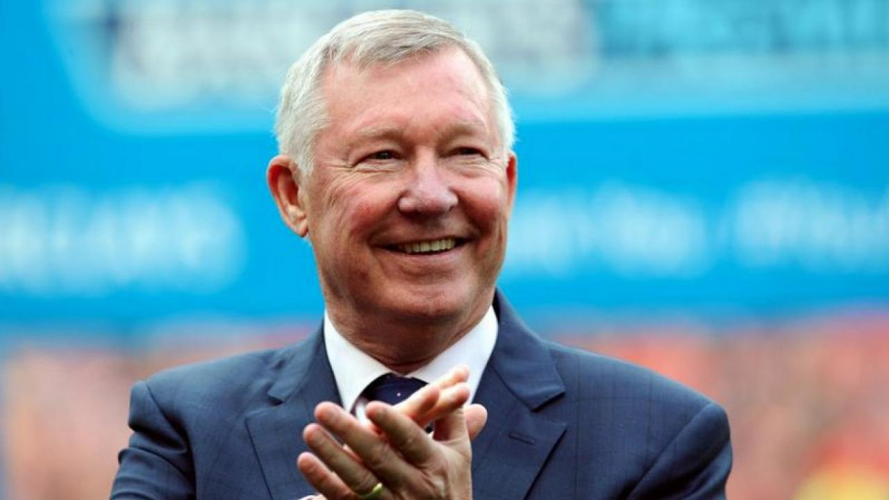 "Sir Alex Ferguson Reveals His Top 4 Players In His Newly Released Book, ""Leading"""