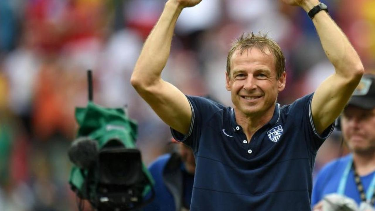 Jurgen-with-arms-raised