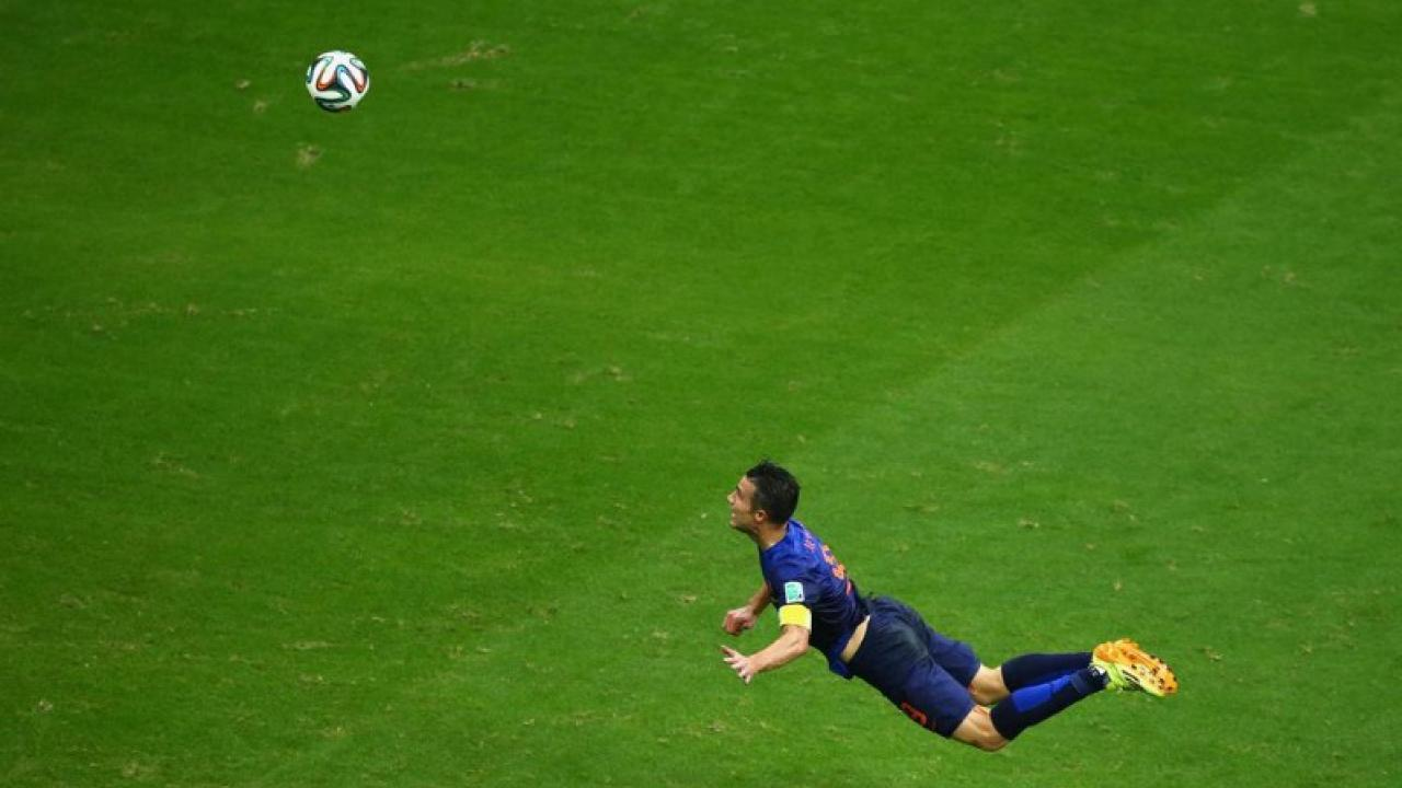 van-persie-screamer-volley-pushes-FIFA-goal-of-the-year-best-amazing-ridiculous-work-cup-history-lady-scissor-kick-overhead-bicycle-embarrass
