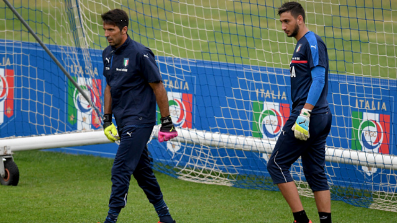 Gianluigi Buffon and Gianluigi Donnarumma, the present and the future.