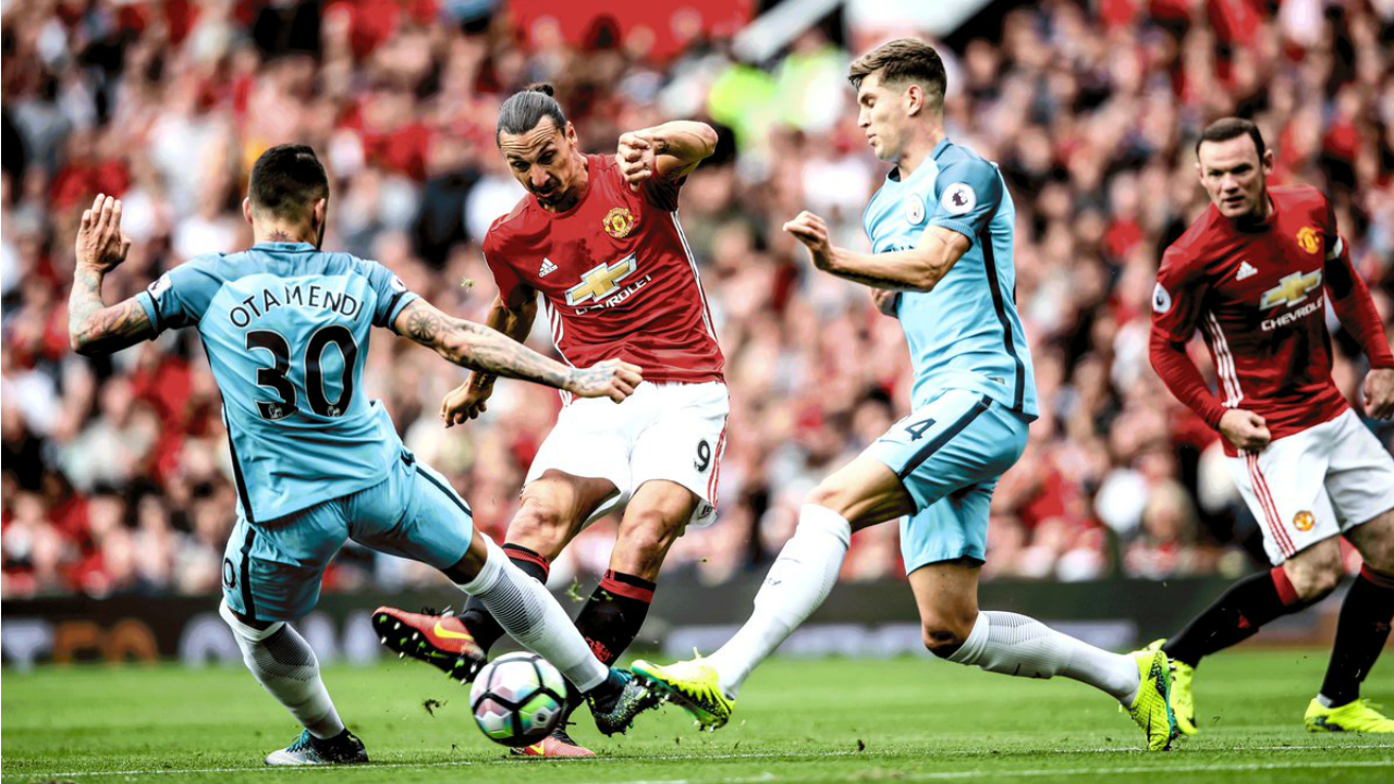 Manchester City defeat Manchester United 2-1