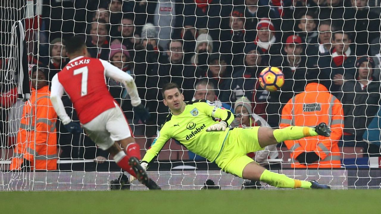 Alexis Sanchez penalty