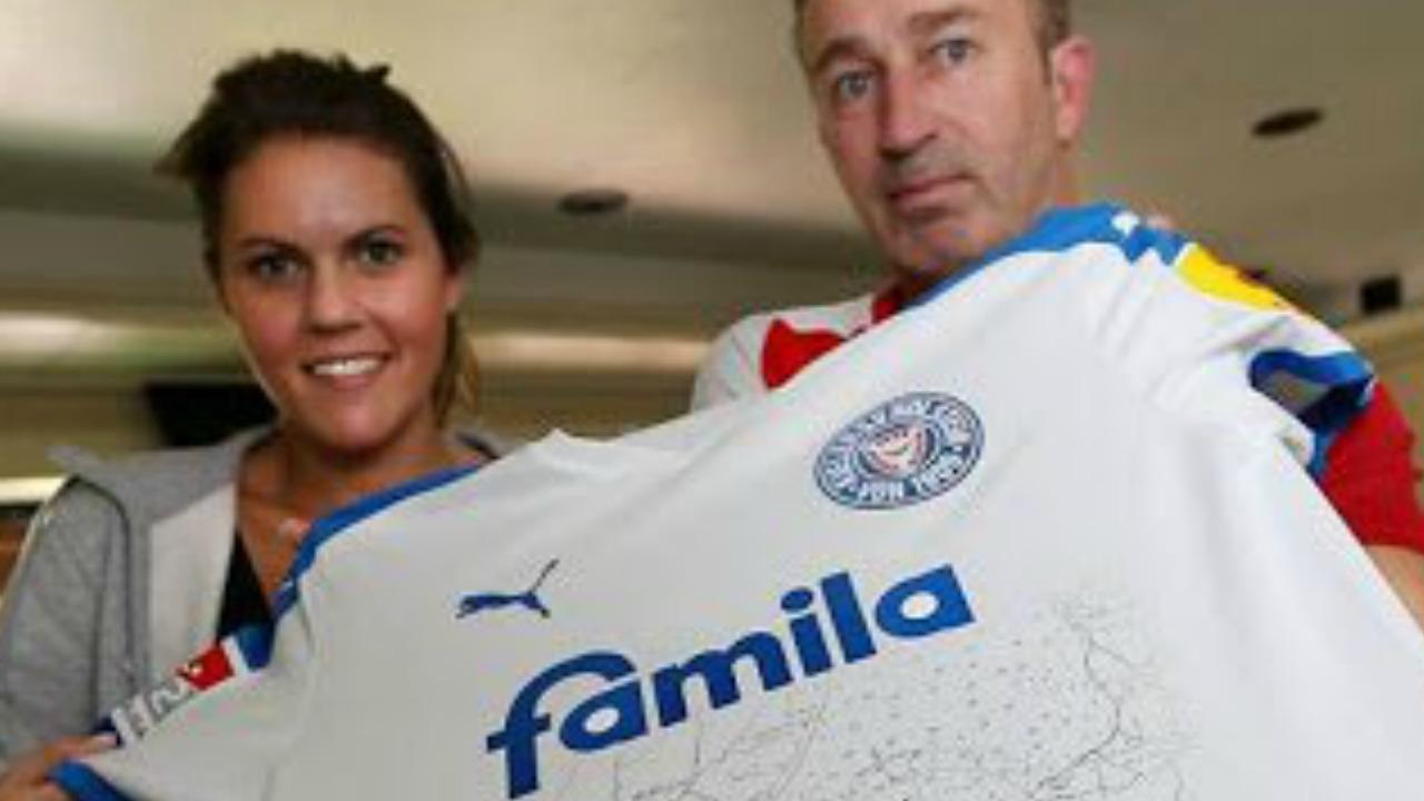 Holstein Kiel away kit