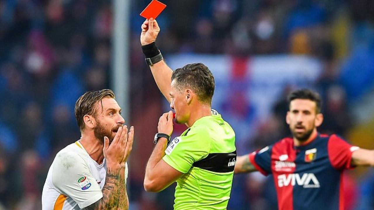 VAR Easily Spotted This Daniele De Rossi Slap