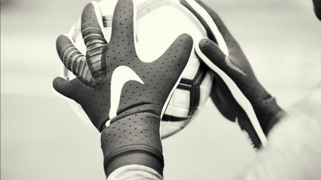 Nike goalkeeper gloves Mercurial Touch