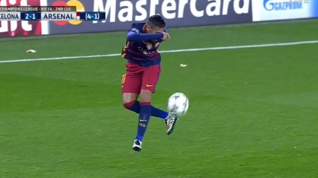 Neymar first touch