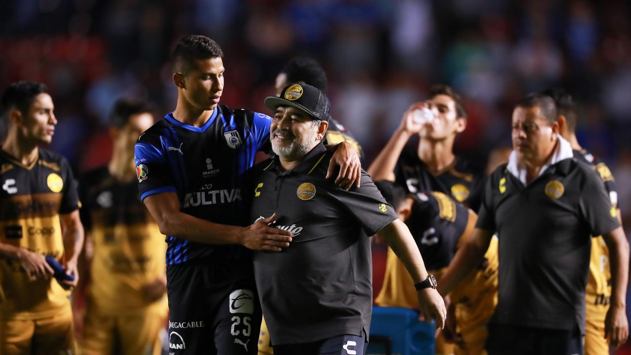 Maradona vs Queretaro