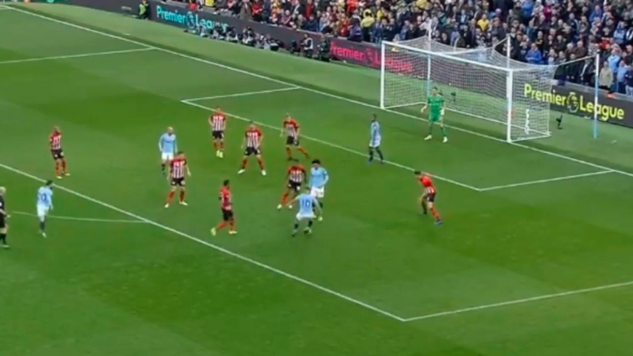 Manchester City team play