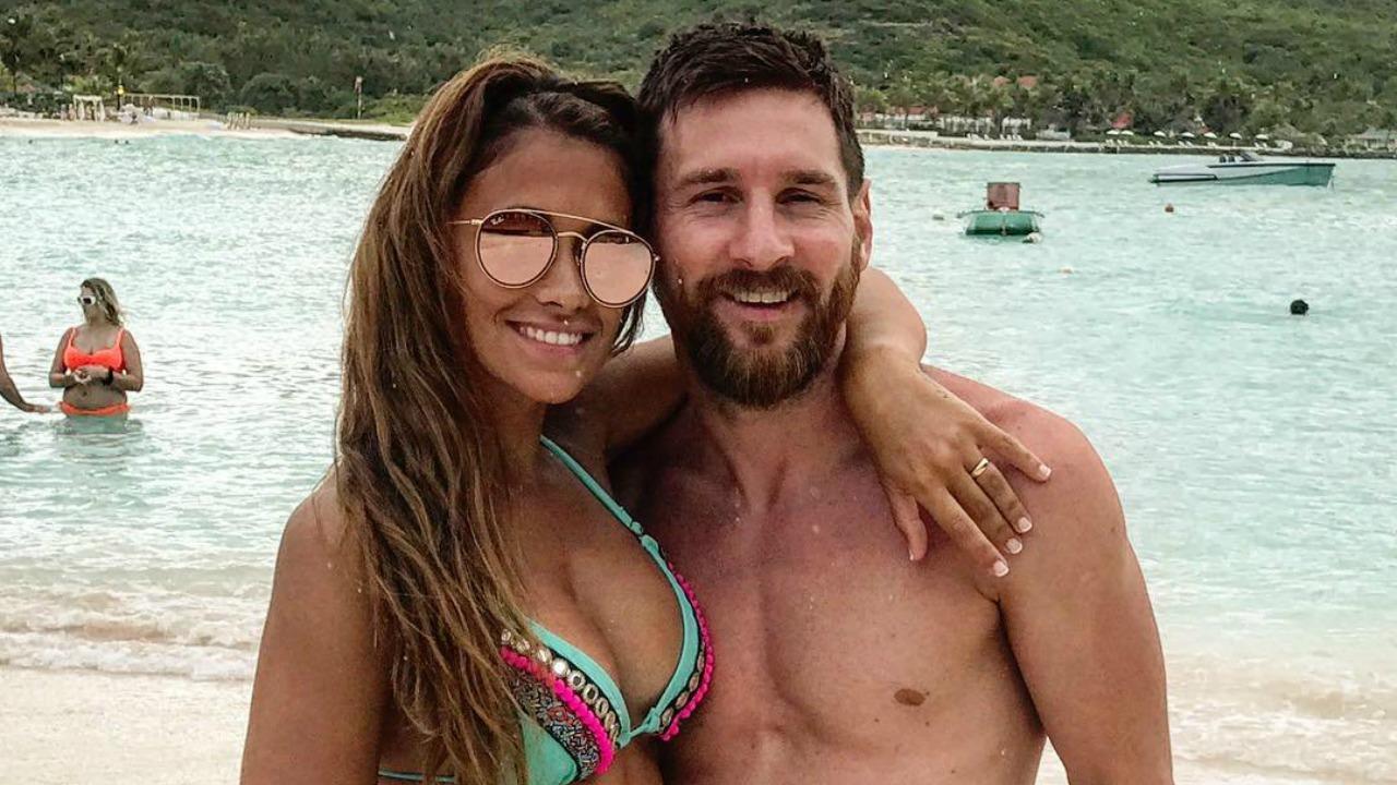 Lionel Messi old photo with Antonela Rocuzzo