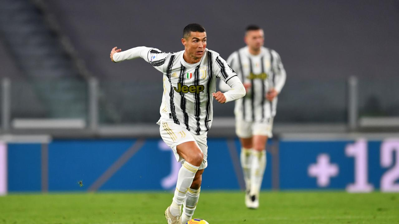 Two Goals For Cristiano Ronaldo Vs Cagliari Fire Juve To Win