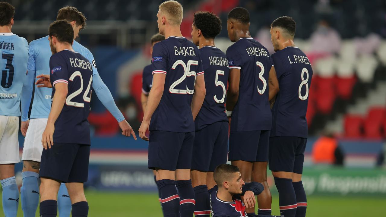 PSG Wall Fail vs. Manchester City