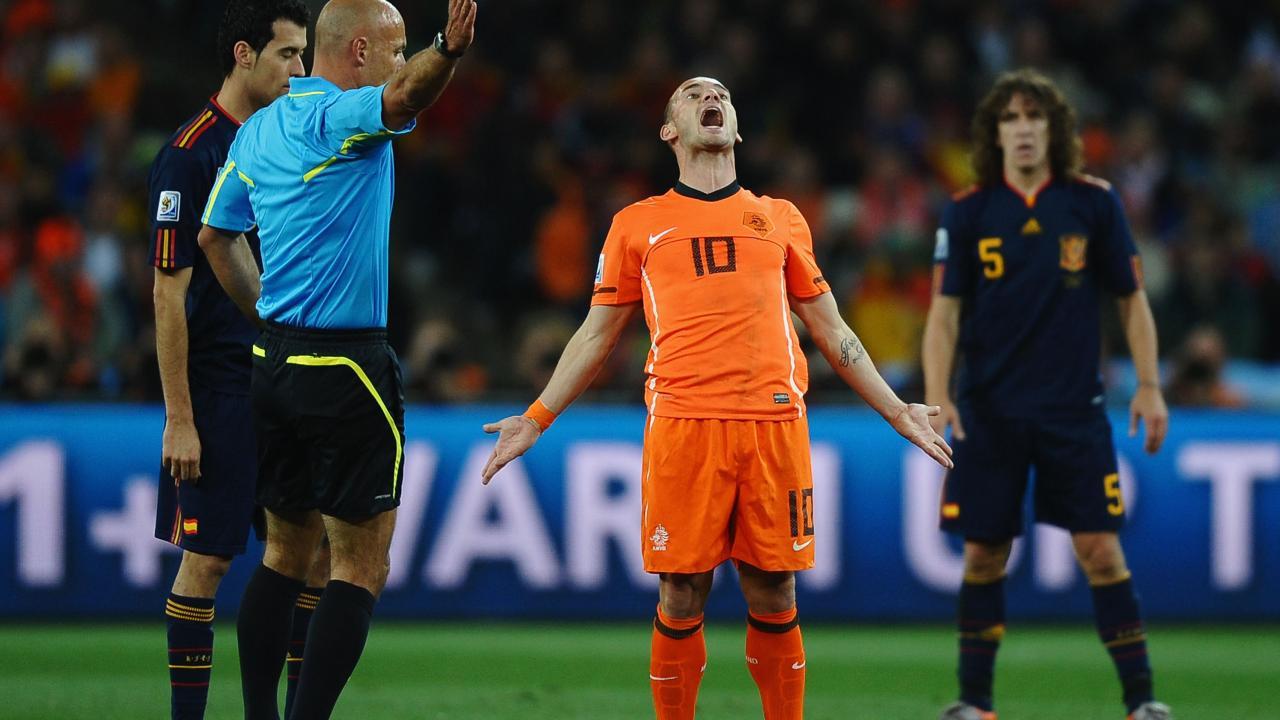 Wesley Sneijder retires