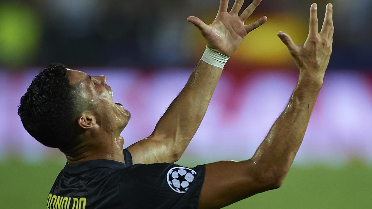 Cristiano Ronaldo Juventus red card