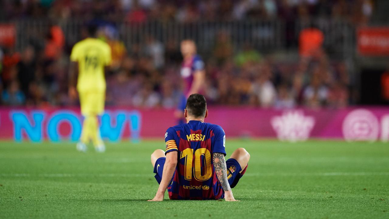 FC Barcelona folds