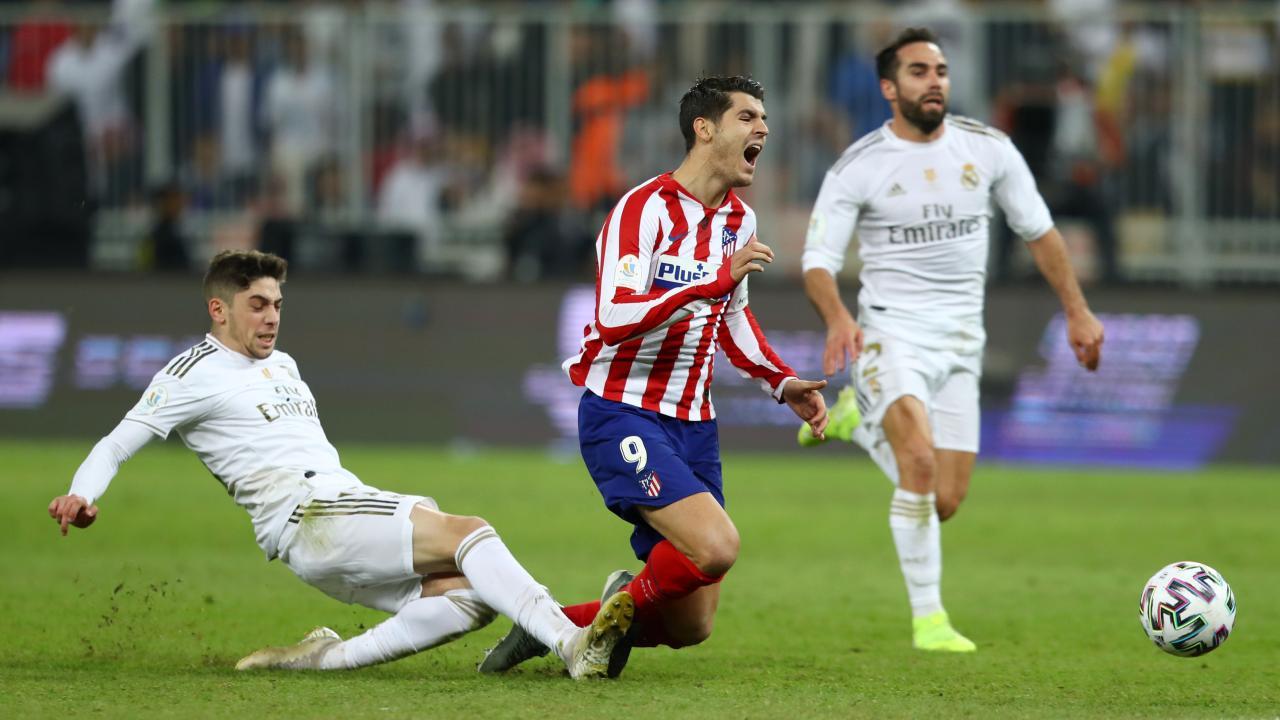 Federico Valverde tackle