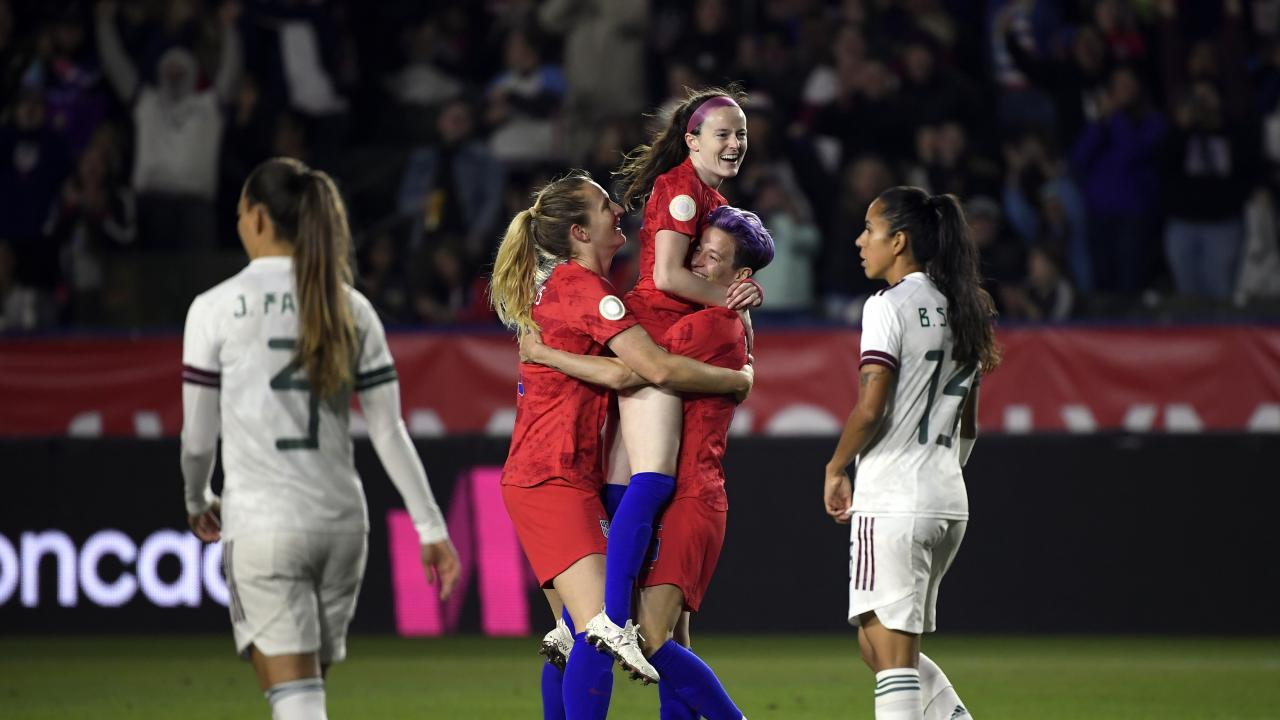 Sam Mewis and Rose Lavelle