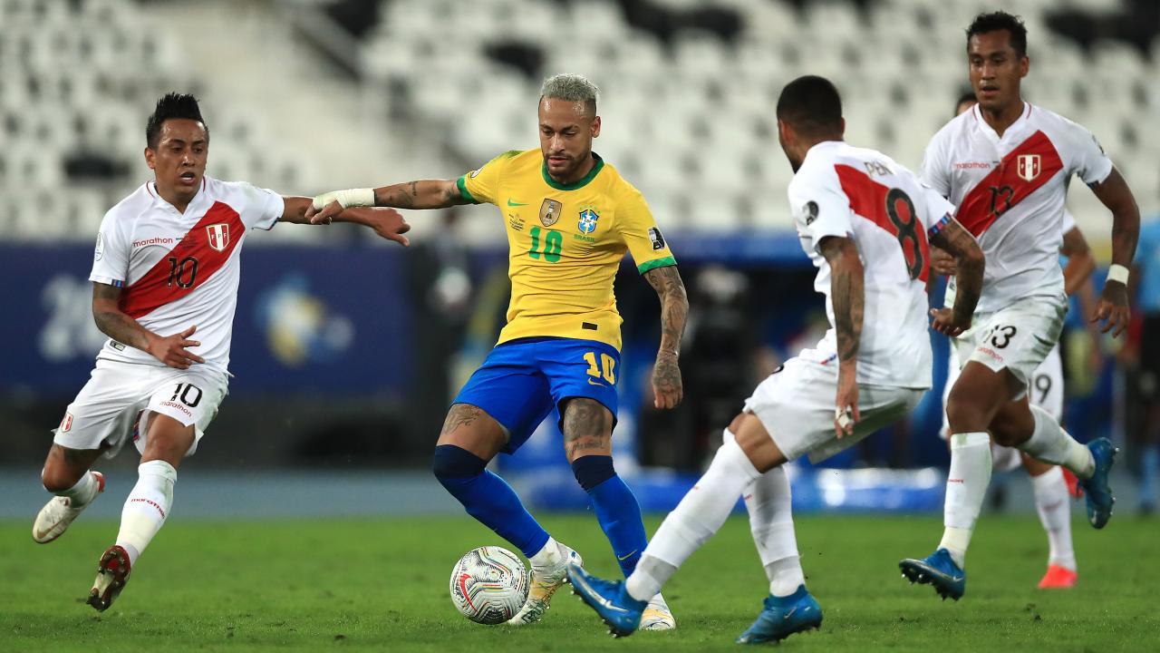 Neymar nutmeg Peru