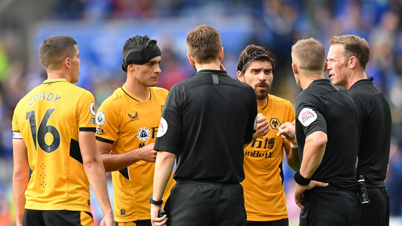 Raúl Jiménez vs Leicester City