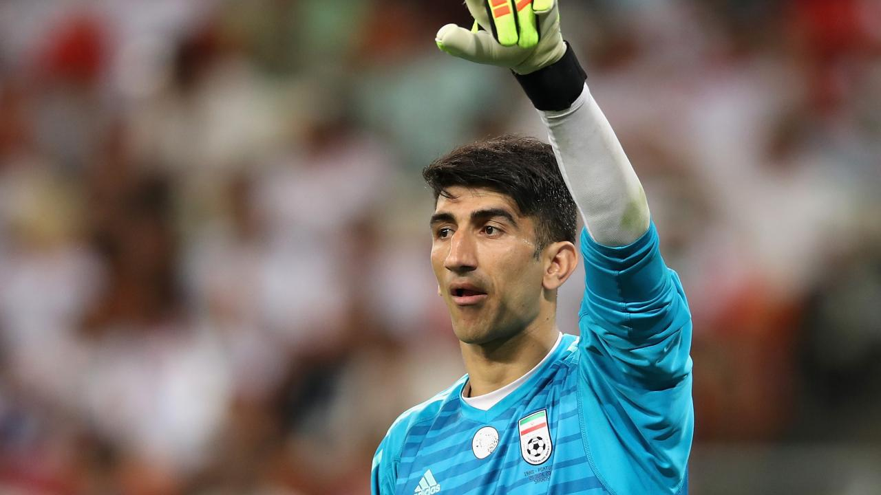 Alireza Beiranvand throw