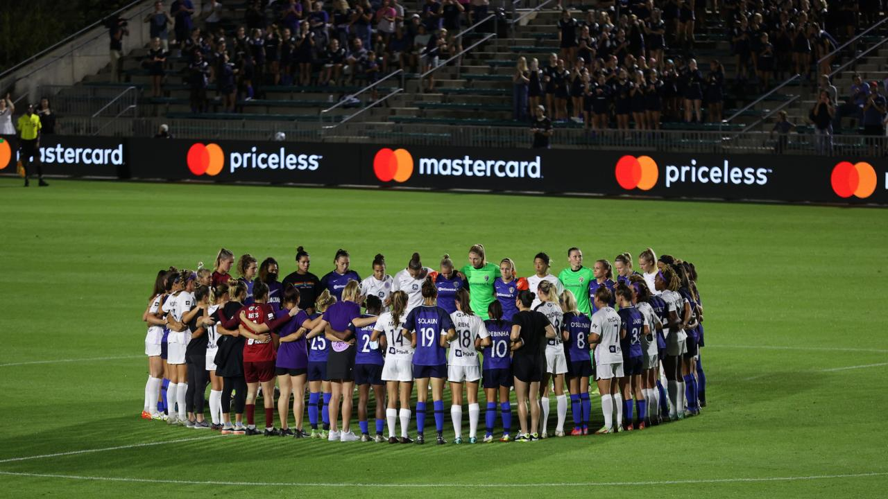 NWSL protest in sixth minute