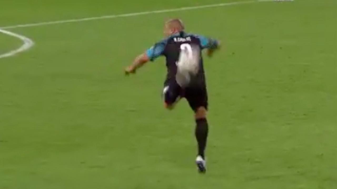 Roberto Carlos pass at Soccer Aid