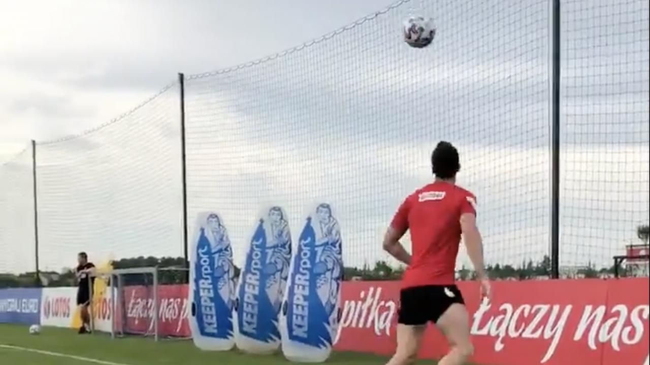 Lewandowski Trick Shot