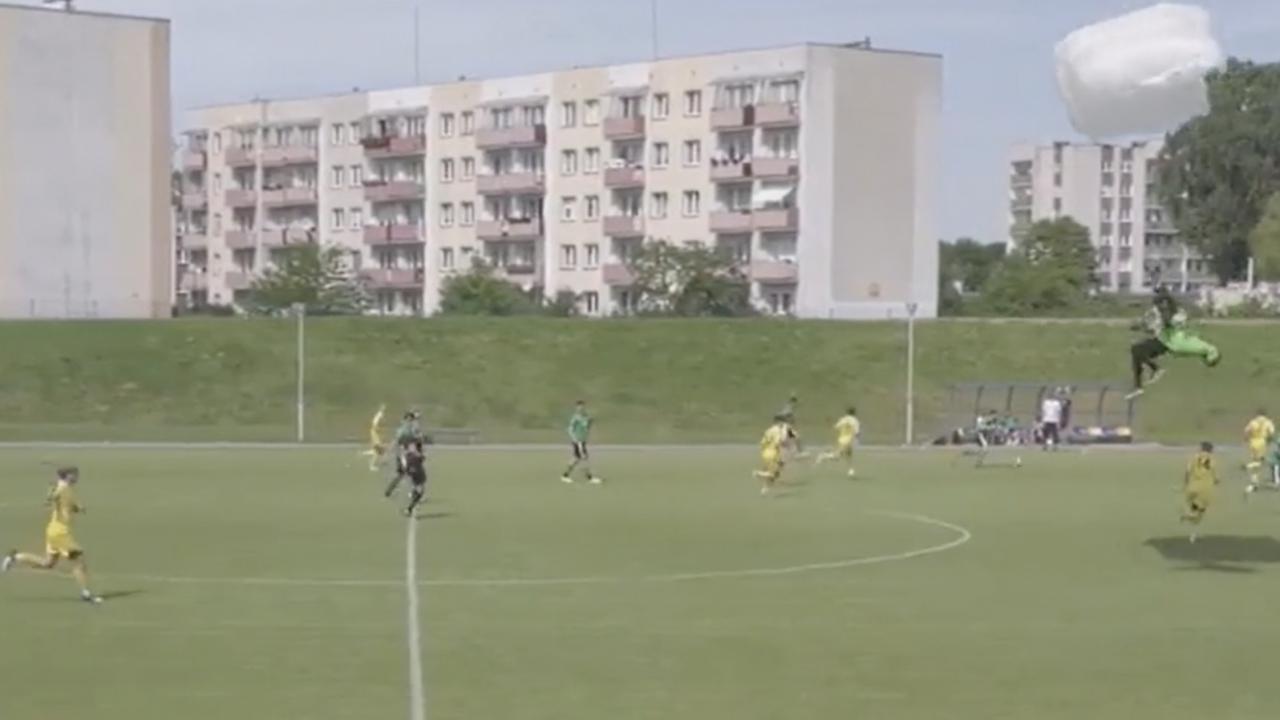 Soccer Skydiver