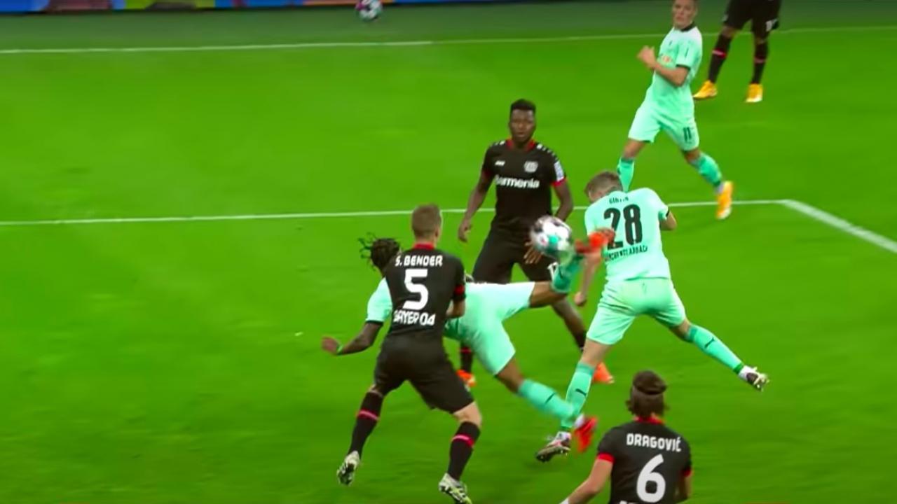 Valentino Lazaro scorpion kick goal