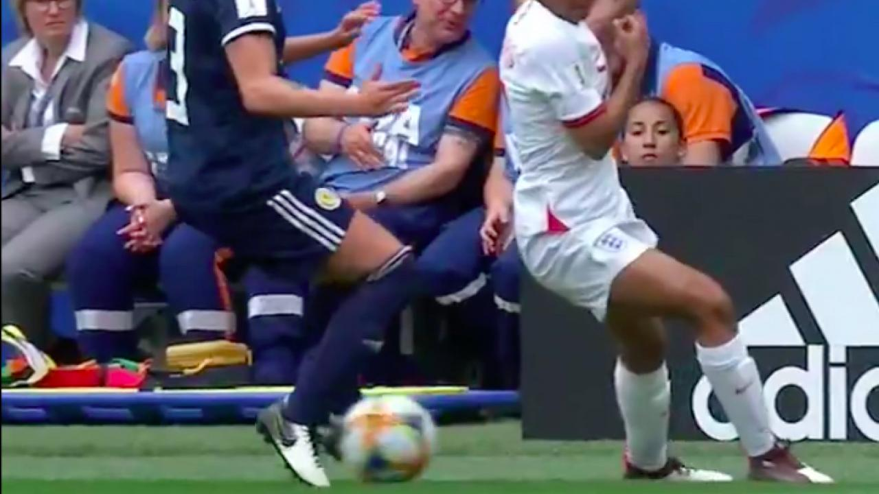 Nikita Parris nutmeg vs Scotland