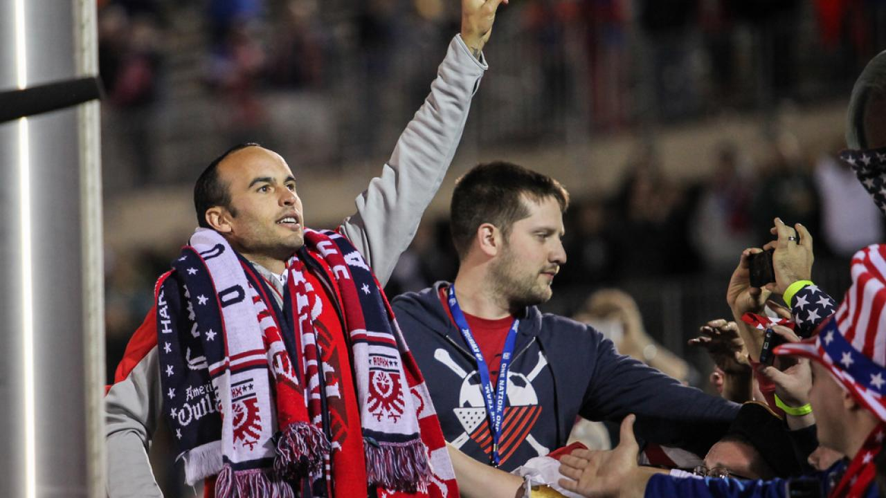 Landon Donovan Criticized For Supporting Mexico at the World Cup.