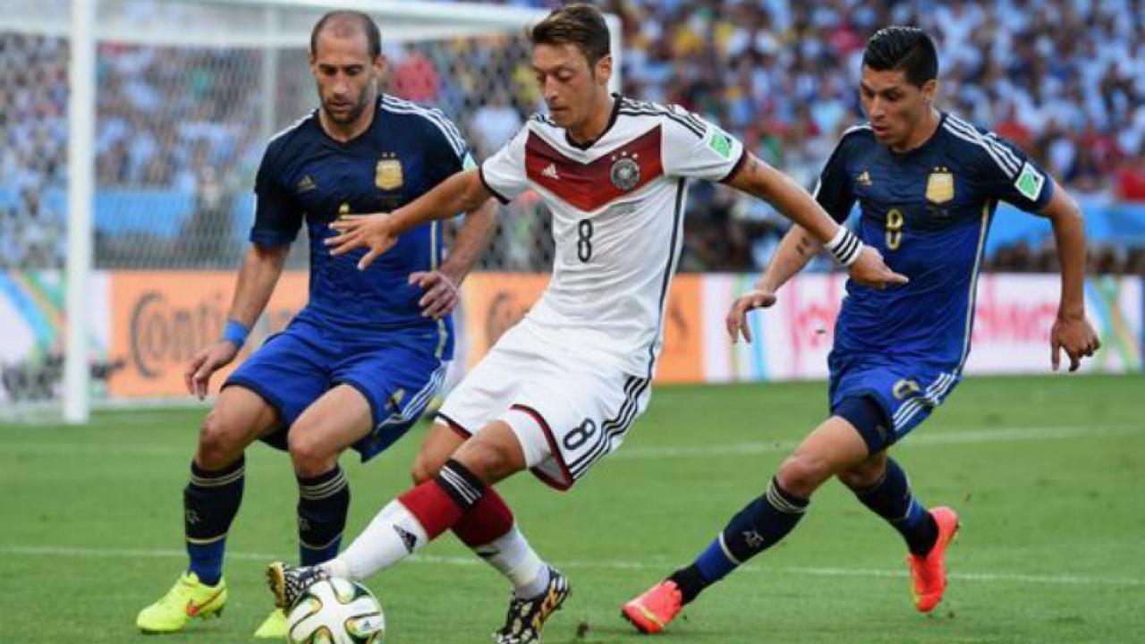 Mesut Özil Pays For 23 Kids' Surgeries