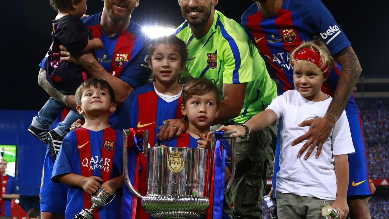 Messi, Suarez, Neymar and their kids.