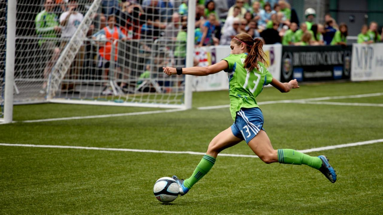 Alex Morgan Shooting On Goal