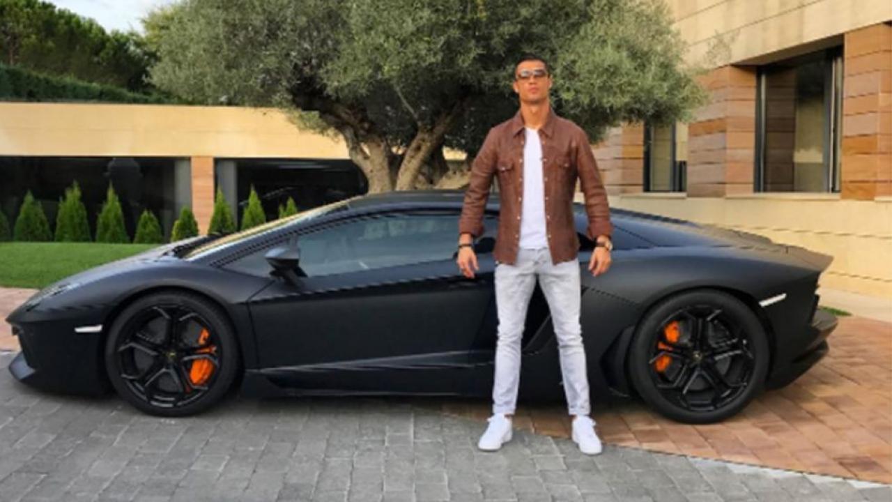 Cristiano Ronaldo and his new Lamborghini