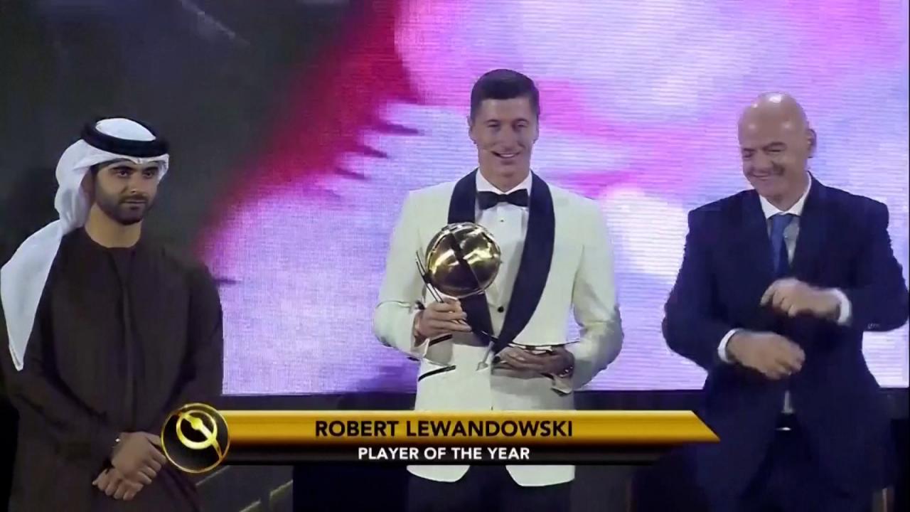 Lewandowski Receives Player Of The Year Award