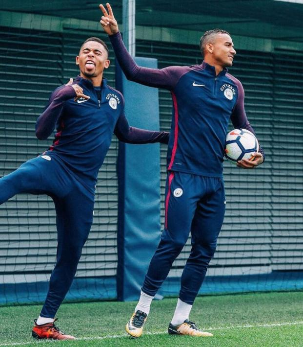 Gabriel Jesus Danilo Luiz Man City Training