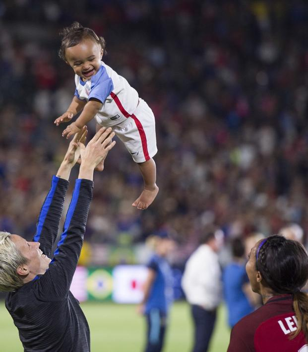 Megan Rapinoe And Sydney Leroux Dwyer With Daughter