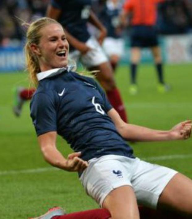 Nwsl Gains France International Amandine Henry